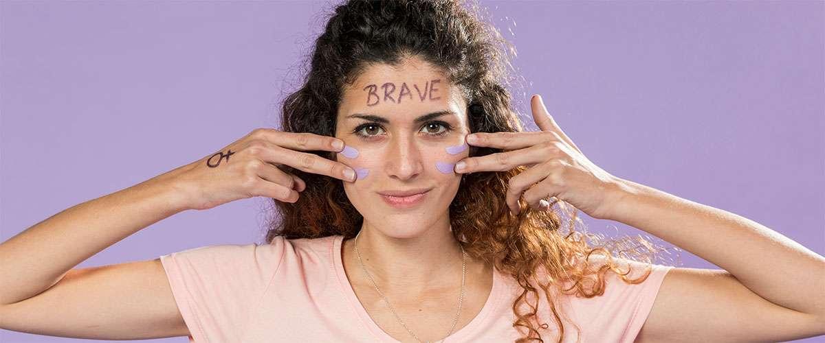 يوم المرأة: المجتمع يحتاج لامرأة حديدية