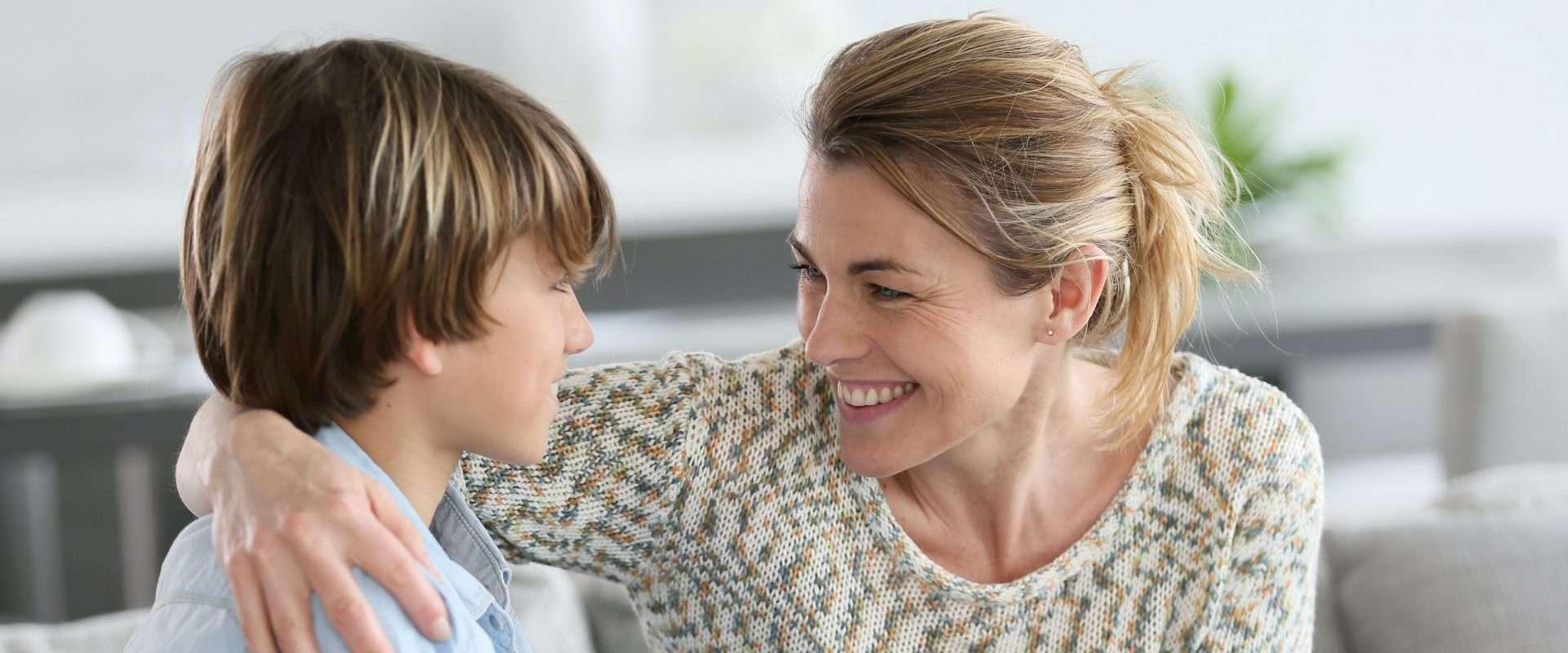 كيف أعلّم طفلي الحوار في 9 نقاط