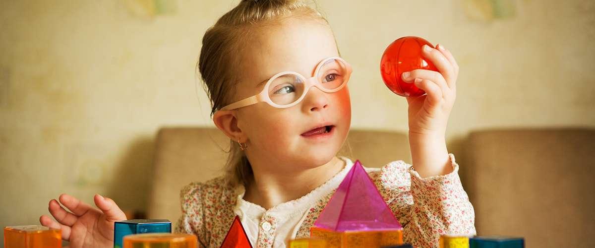 نصائح هامةللتعامل مع أطفال متلازمة داون (ملائكة الأرض)