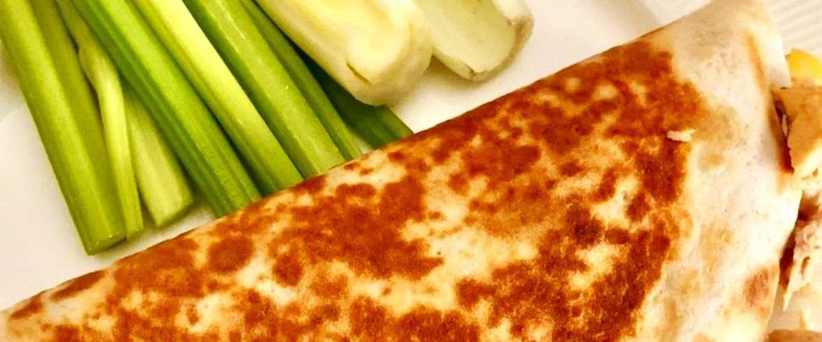 ساندويشات التونة مع الجبنة الذائبة