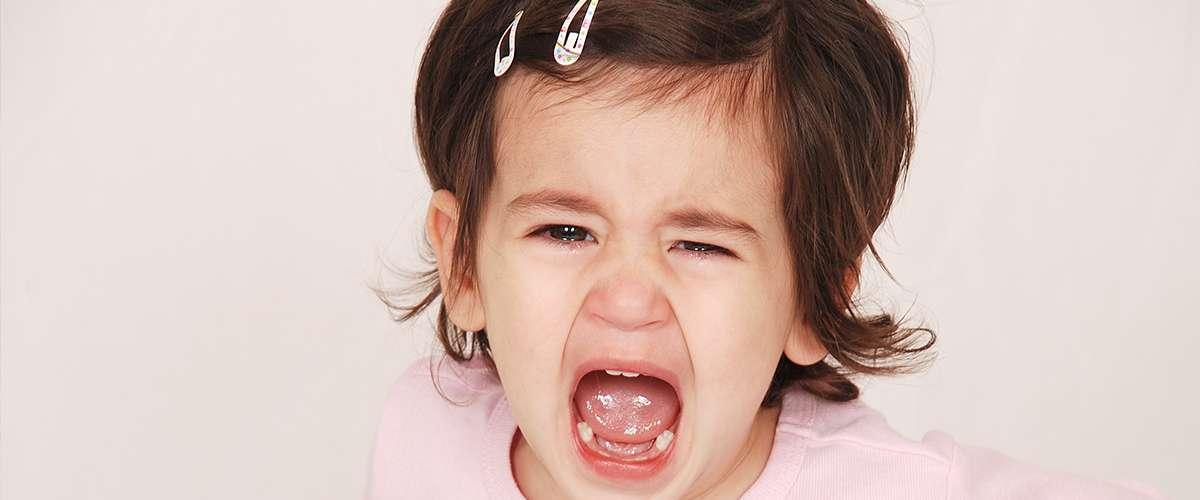 أسباب صراخ الأطفال من عمر سنة إلى 4 سنوات