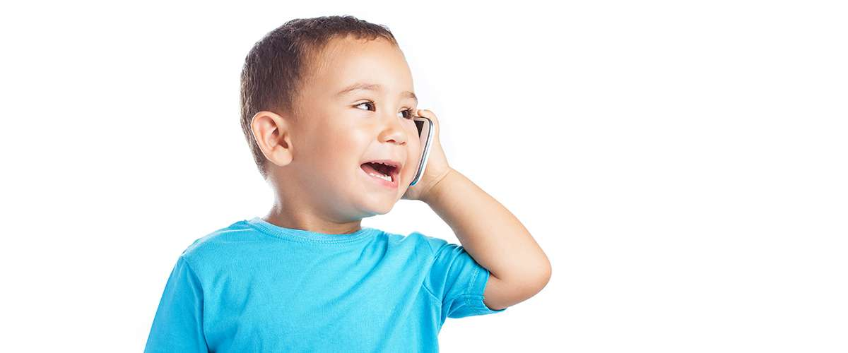 8 علامات تكشف حاجة الطفل لأخصائي النطق