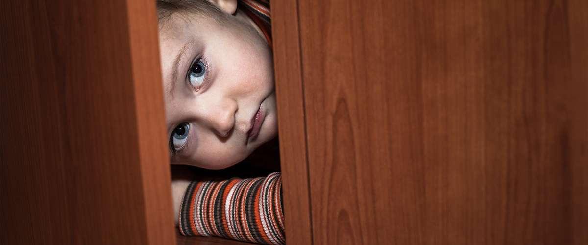 أضرار استخدام أسلوب تخويف الأطفال