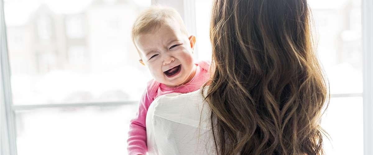 طفلي دائم البكاء.. ماذا أفعل؟