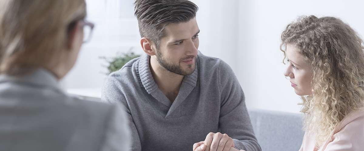 6 إقتراحات يمكننا كوالدين القيام بها لمساعدة أنفسنا خلال الأزمات الصادمة