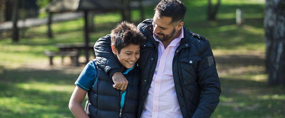 4 أساليب خاطئة على الأب تجنبها مع أبنائه
