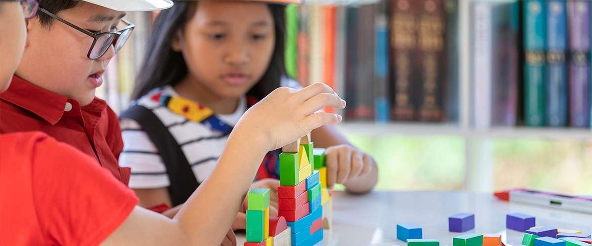 اثنان من أهم صفات الطفل المبدع