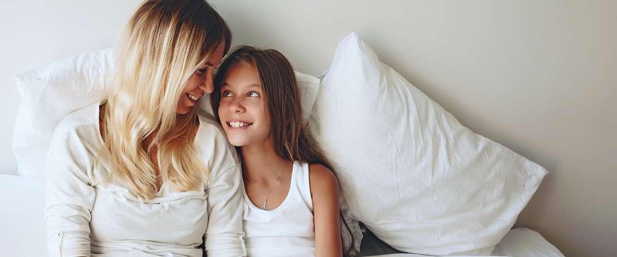 10 نصائح لتصبحي الصديقة الأقرب لابنتك