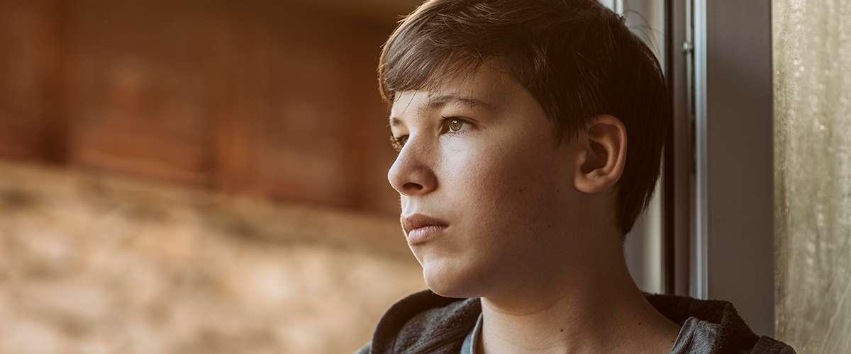 4 علامات تدلّ على ضعف شخصية المراهق