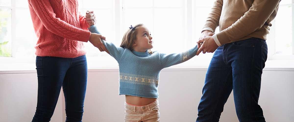 6 أعراض نفسية تصيب الطفل بعد مشاهدة الخلافات الزوجية