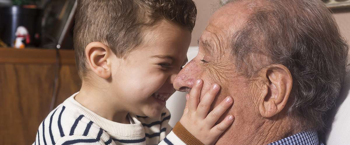 أهمية وجود الأجداد في حياة الأحفاد