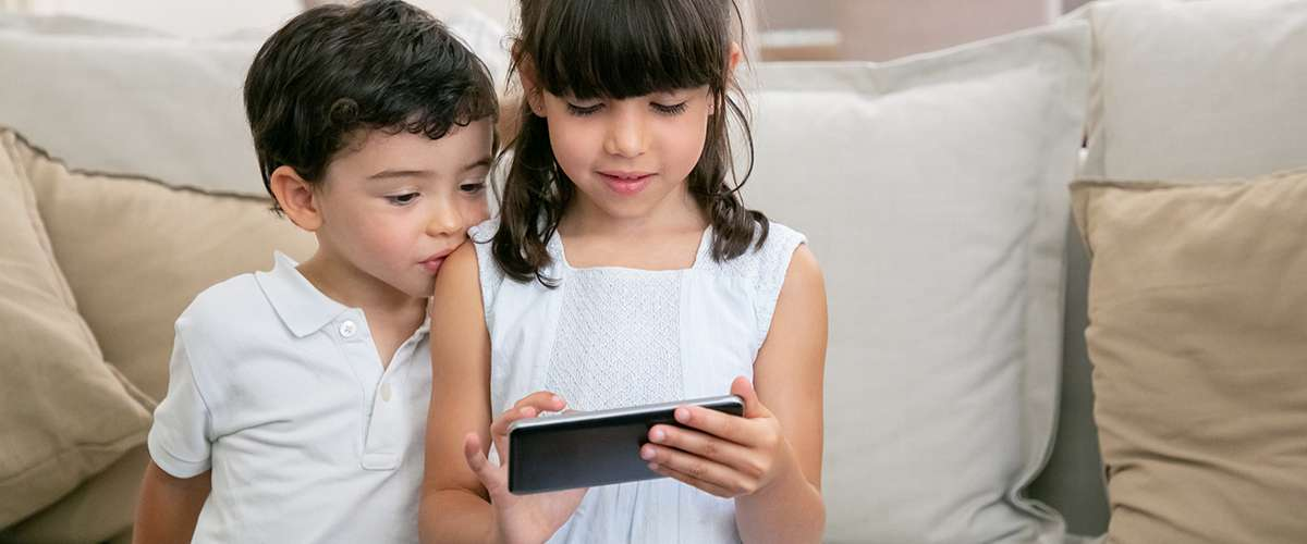 14 فكرة للتخلص من إدمان الموبايل عند الأطفال