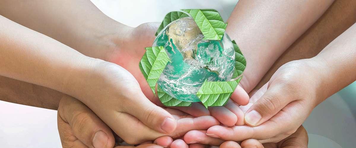 كيف نعلّم أبناءنا دروسًا مهمة من البيئة المحيطة؟