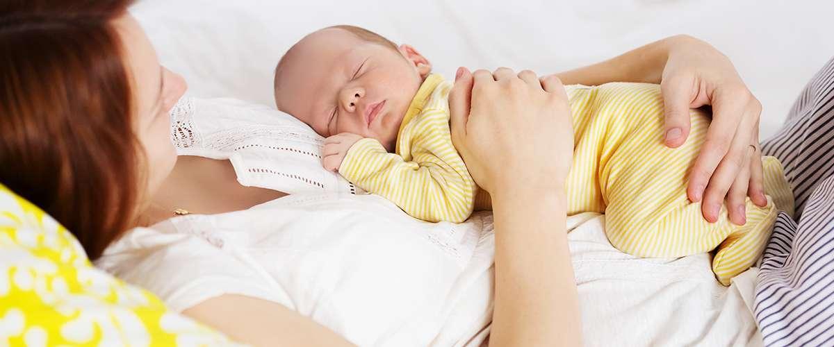 كل ما عليك معرفته عن الرضيع في الشهر الأول من عمره