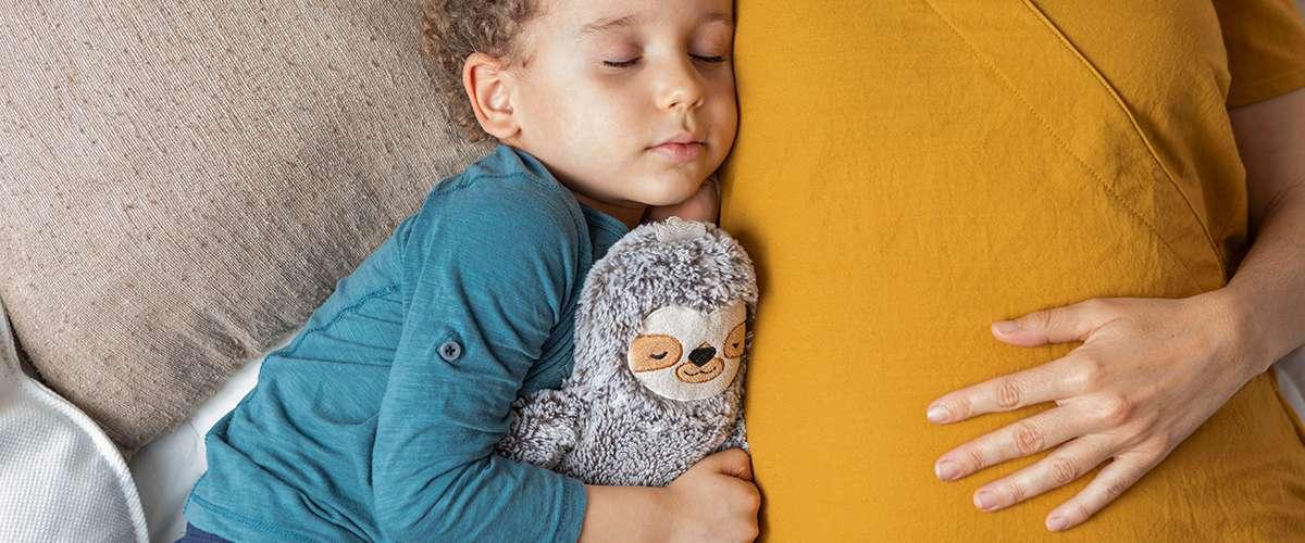 7 خطوات لنتخلّص من خوف الطفل النوم بمفرده