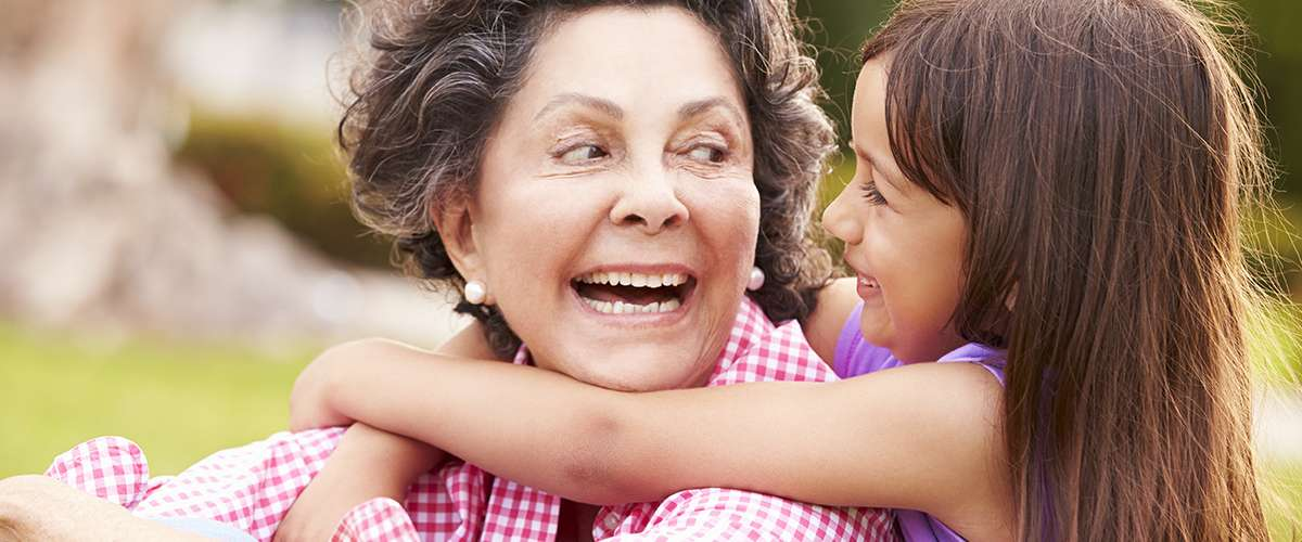 7 خطوات لتقوية علاقة الطفل بجدوده